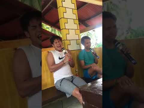 Reggie Tortugo hitting the highest note in Kahit Kailan