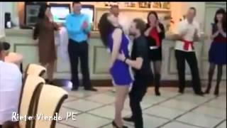 Le baila a su novia y le arruina la fiesta.. (se muere de la verguenza)