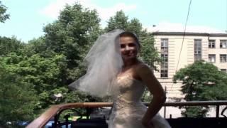 Пока Женя ждет жениха - поет песню Ирины Билык