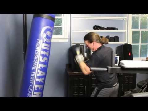 Review Of The Outslayer Muay Thai Heavy Bag Stand