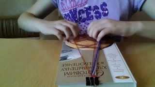 Видеоурок, как плести класическую фенечку из ниток мулине!(Пожалуйста подписывайтесь на моя канал и у меня много видео про то как делать фенечку