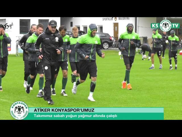 Atiker Konyaspor'umuz hazırlıklarını yoğun yağmur altında yaptığı antrenmanla sürdürdü