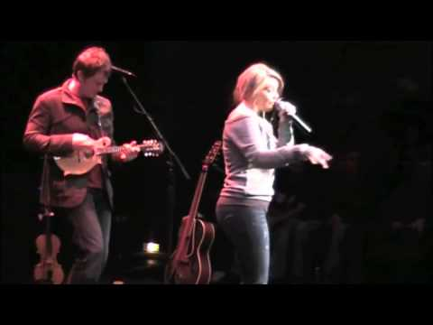 Funny Thing About Love (12/13/11) - Lauren Alaina mp3
