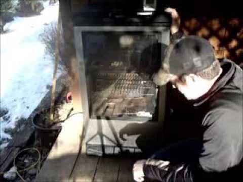 Smoked Turkey In The Masterbuilt 40 Electric Smoker Doovi