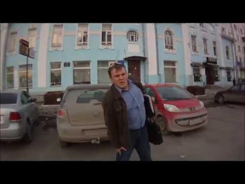 Пешеход пинает машину. 09.04.2012