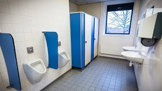 Er ging auf der Schule Toilette zu weit mit seiner Freundin. 😔 - Heftige Folgen!  | LauraJoelle