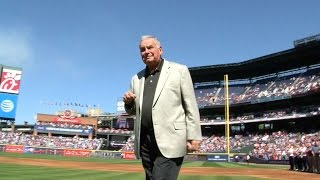 WSH@ATL: Bobby Cox throws ceremonial first pitch