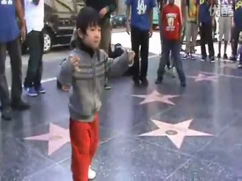 Amazing! Kid Street Dance In LA ( MJ Style)