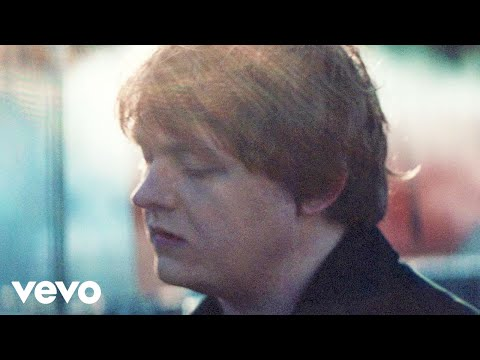 Lewis Capaldi - Bruises (Official Video)