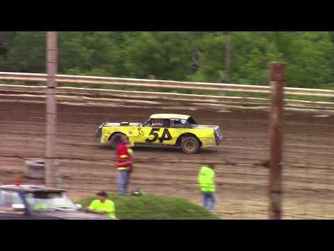 Hummingbird Speedway (6-9-18): Sunny 106.5 FM Pure Stock Heat Race #2