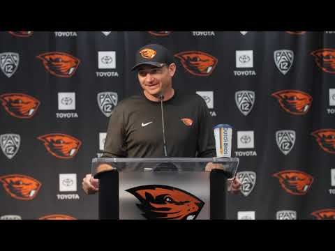 Oregon State Beavers - Jonathan Smith talks depth chart, injuries and Cowboys at News Confrerence