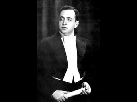 "Misha Alexandrovich sings ""Carmela""  De Curtis"