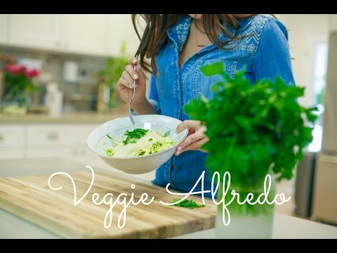 Quick & Easy Vegan Recipes with Daniella Monet  Veggie Alfredo