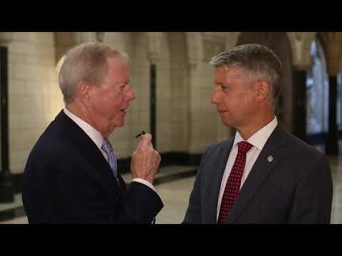 Parliamentary Secretary Andrew Leslie in conversation with Ensight's Don Newman