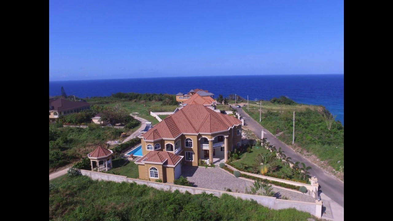 4 BEDROOM OCEAN FRONT HOUSE IN TOWER ISLE FOR SALE