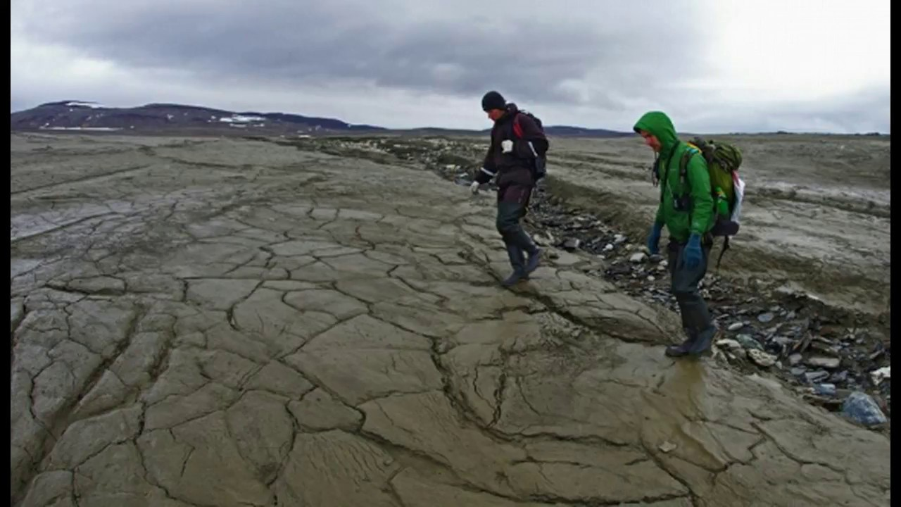 arctic-lake-mysteriously-vanishes-in-russia-baffling-scientists-on-expedition