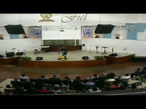 Pastor Marcos ruiz congreso 2016