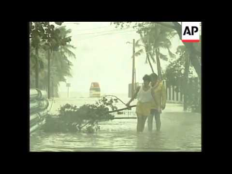 USA: FLORIDA: KEY WEST CLEANS UP AFTER HURRICANE GEORGE