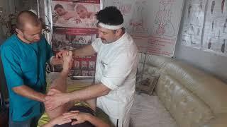 Как делать специальный мануальный массаж ног спереди практика от Олега Олафа Гудвина