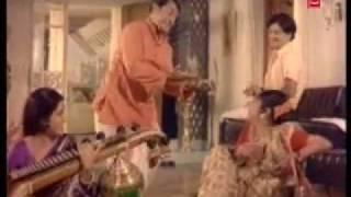 Aachaaravillada Naalige - Upaasane (1974) - Kannada