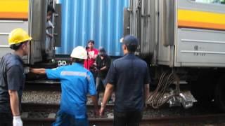 Download Video Pendorongan Dan Penyambungan Kereta KRL JR 205 南武線 Nambu Line | Stasiun Pasoso MP3 3GP MP4