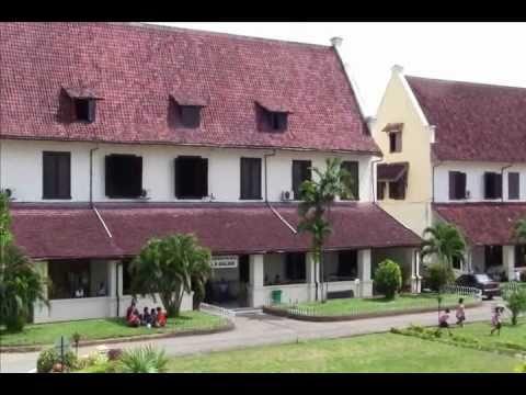 Fort Rotterdam - Benteng Fort Rotterdam - Obyek Wisata Makassar - South Sulawesi - Indonesia Travel