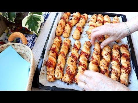 Bakina kuhinja-  fantastilčni šareni štapići sa pikantnim kobasicama i semenkama