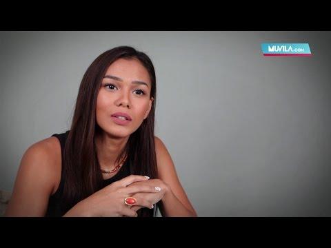 MEET THE ARTIST: Adinia Wirasti - Sisi Glamor Industri Film Paling Menyakitkan