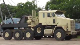 Oshkosh HET (Heavy Equipment Transporter)
