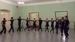 """Экзамен по танцу в Щепке. """"Сиртаки""""."""