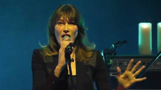 Carla Bruni - Perfect Day HD Live From Istanbul 2017