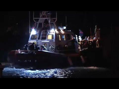 Mais de 260 migrantes desembarcam no porto italiano de Pozzallo