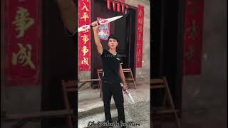 Thanh niên làm đao kiếm từ gỗ siêu đẹp   Tiktok Trung Quốc