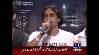 A VERY BEAUTIFUL SOFT VOICE OF A  PAKISTANI BLIND SINGER IN  Khabarnaak 27 MAY 2012.flv
