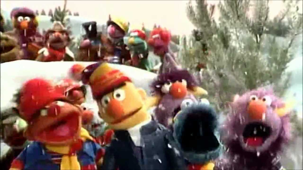 Muppet Christmas.A Muppet Family Christmas With The Sesame Street Gang