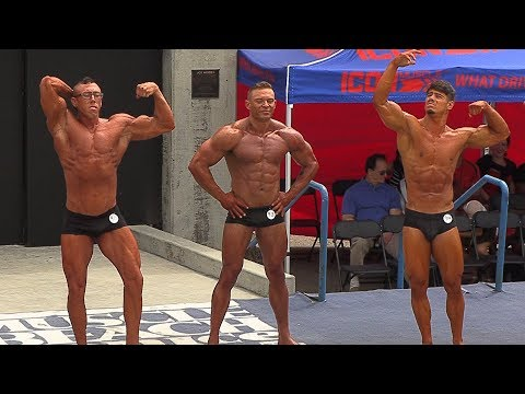 Classic Physique Bodybuilding Competes At Muscle Beach