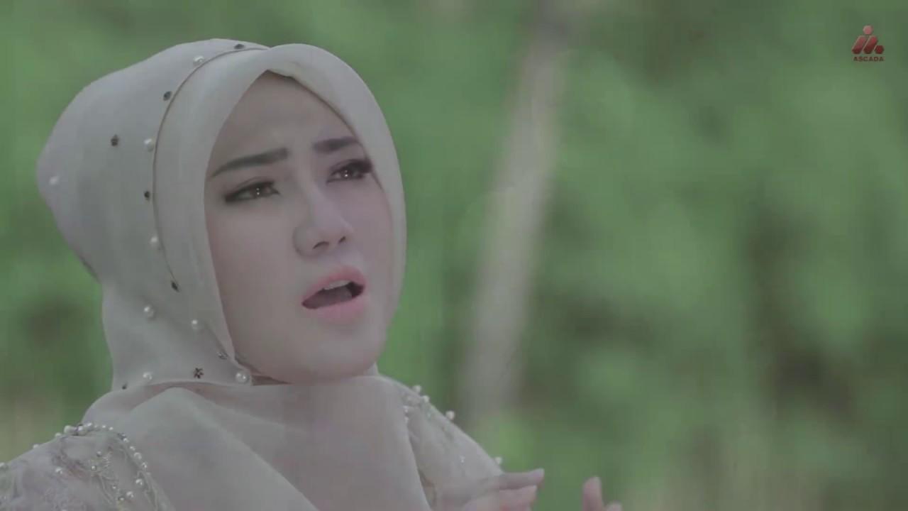 Download Via Vallen - Sempurnakan Langkahku (Official Music Video)