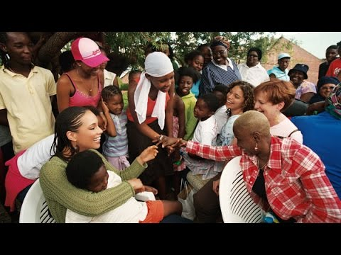 Alicia Keys in Africa to help fight HIV-AIDS