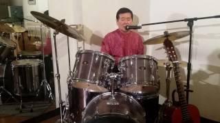 ドラムを叩きながら歌ってYouTube768曲達成。これは日本記録でもあり、...