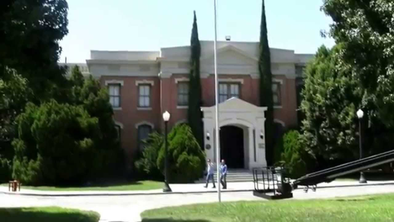 Pretty Little Liars Rosewood Set Warner Brothers Tour Hollywood Youtube