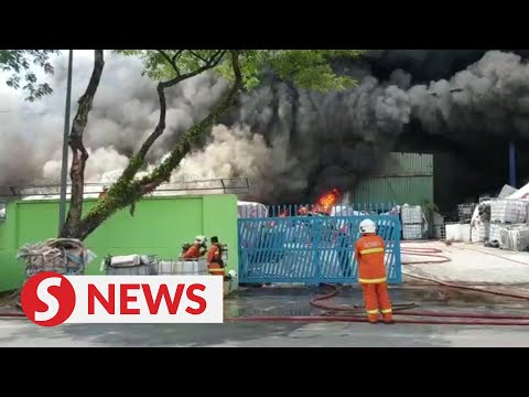 plastic-factory-in-ijok-goes-up-in-smoke