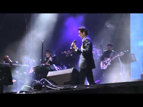 Abrázame Muy Fuerte - Marc Anthony