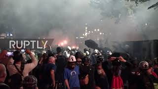 USA: Tear gas fill Portland streets as BLM protests continue