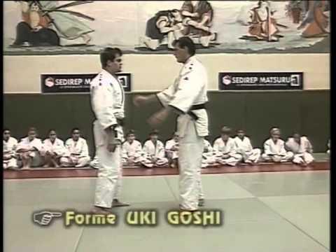 7016cc9f2857 Judo projections (ceinture blanche jaune à la jaune) - YouTube