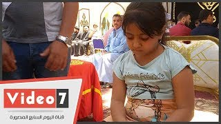 """أصغر ناجية فى حادث المنيا: """"أمى غطتنى بالشنطة فالإرهابيين مشافونيش"""""""