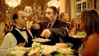 louise michel extrait film scène restaurant