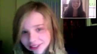 Chloë Grace Moretz: Singing On Webcam