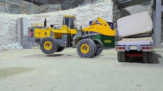 Repeat youtube video HEAVY RC CONSTRUCTION SITE | WORKING AT THE STONE COMPANY! 60t BLOCKS LOAD!