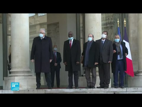 ماكرون يستقبل قادة المجلس الفرنسي للديانة الإسلامية بعد التوقيع على نص من 10 بنود .. ماذا جاء فيه؟