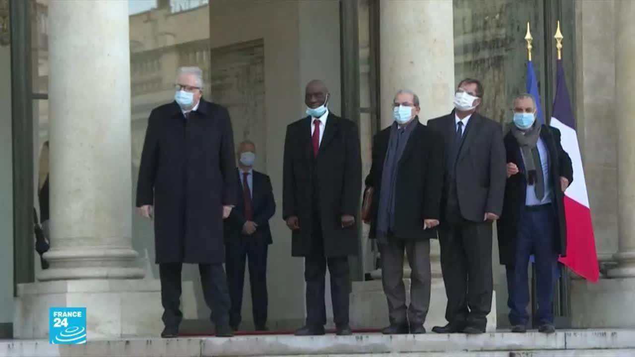 ماكرون يستقبل قادة المجلس الفرنسي للديانة الإسلامية بعد التوقيع على نص من 10 بنود .. ماذا جاء فيه؟  - 18:02-2021 / 1 / 19